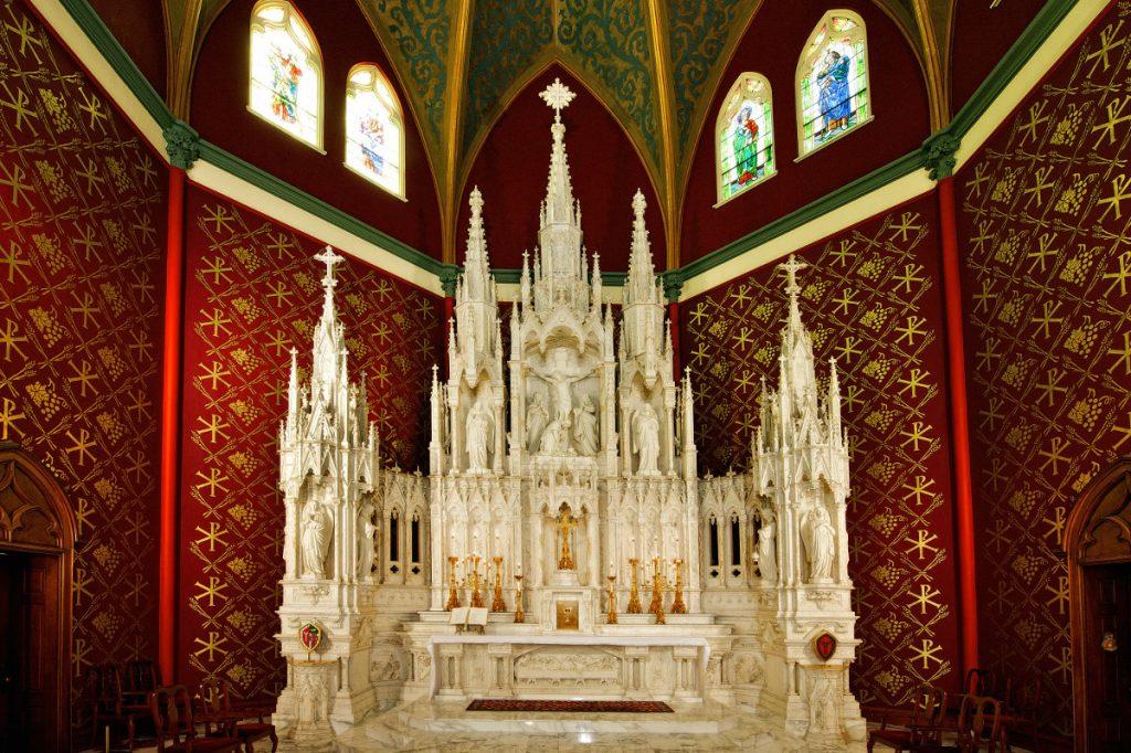 holy-family-interior-042